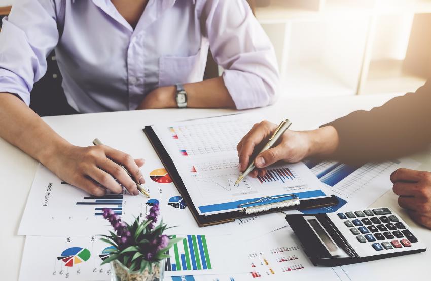 pénzügyi tervezés adatok emberek